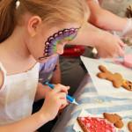 мастер-класс по росписи имбирных пряников на празднике