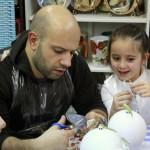 детский мастер-класс роспись ёлочного шара